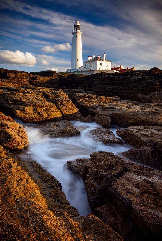 St Mary's Lighthouse, Northumberland, UK.