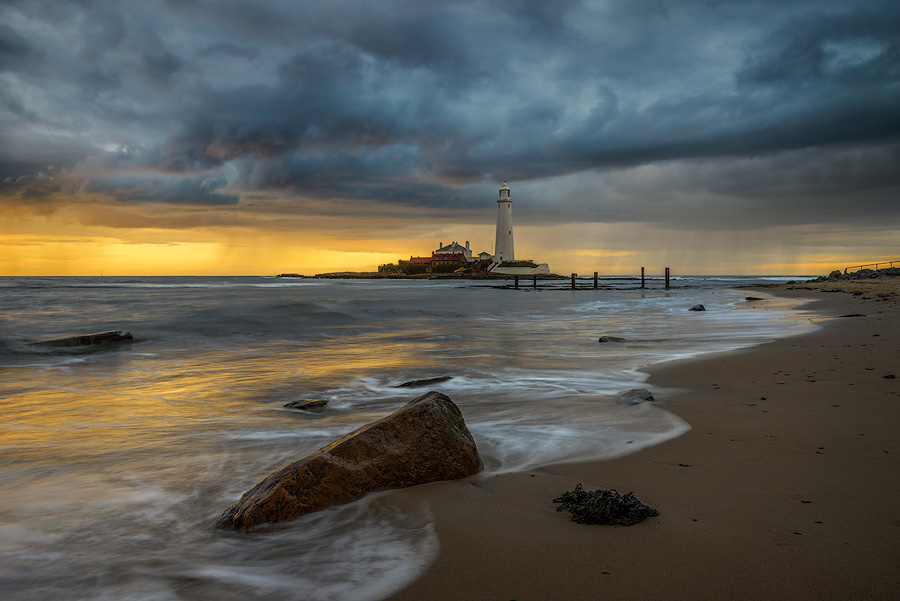 Passing storm & encroaching tides, St Mary's Lighthouse.
